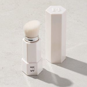 FENTY BEAUTY Portable Touch Up Brush